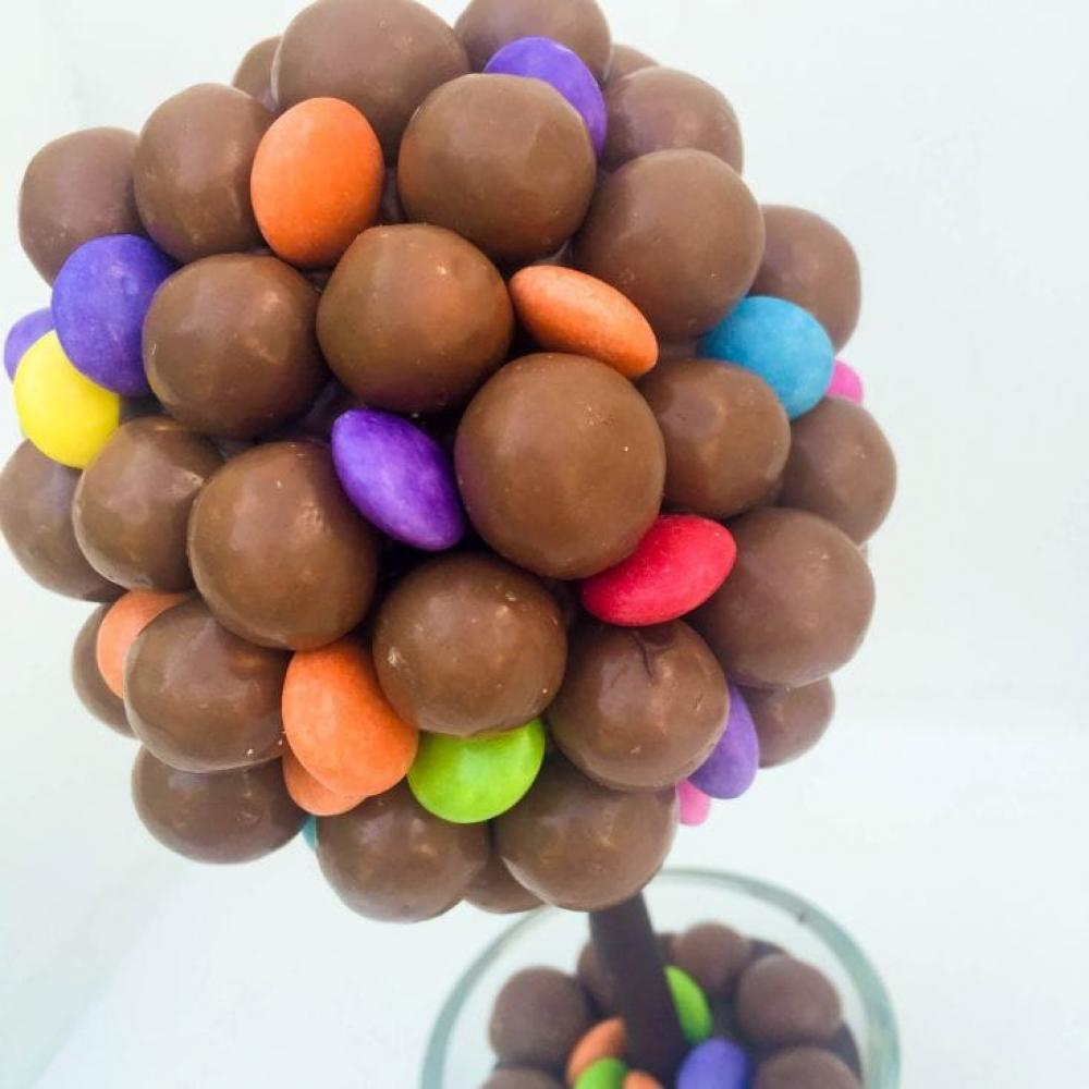 Sweet Trees Maltesers and Smarties Personalised Sweet Tree Eat Me 25 cm