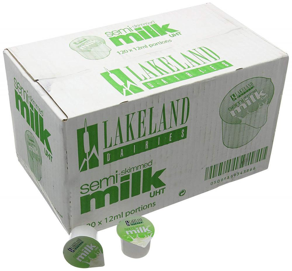 SUPER SATURDAY SALE  Lakeland Semi-Skimmed Milk Pots 120x12ml
