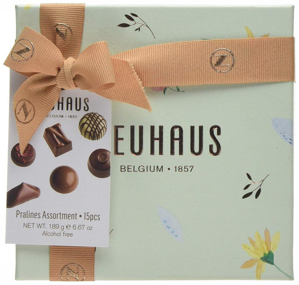 Neuhaus Medium Giftbox Filled with 15 pralines 189 g